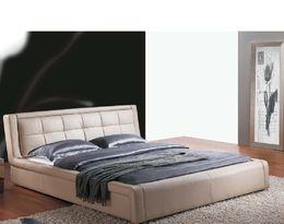 1356 kožená postel